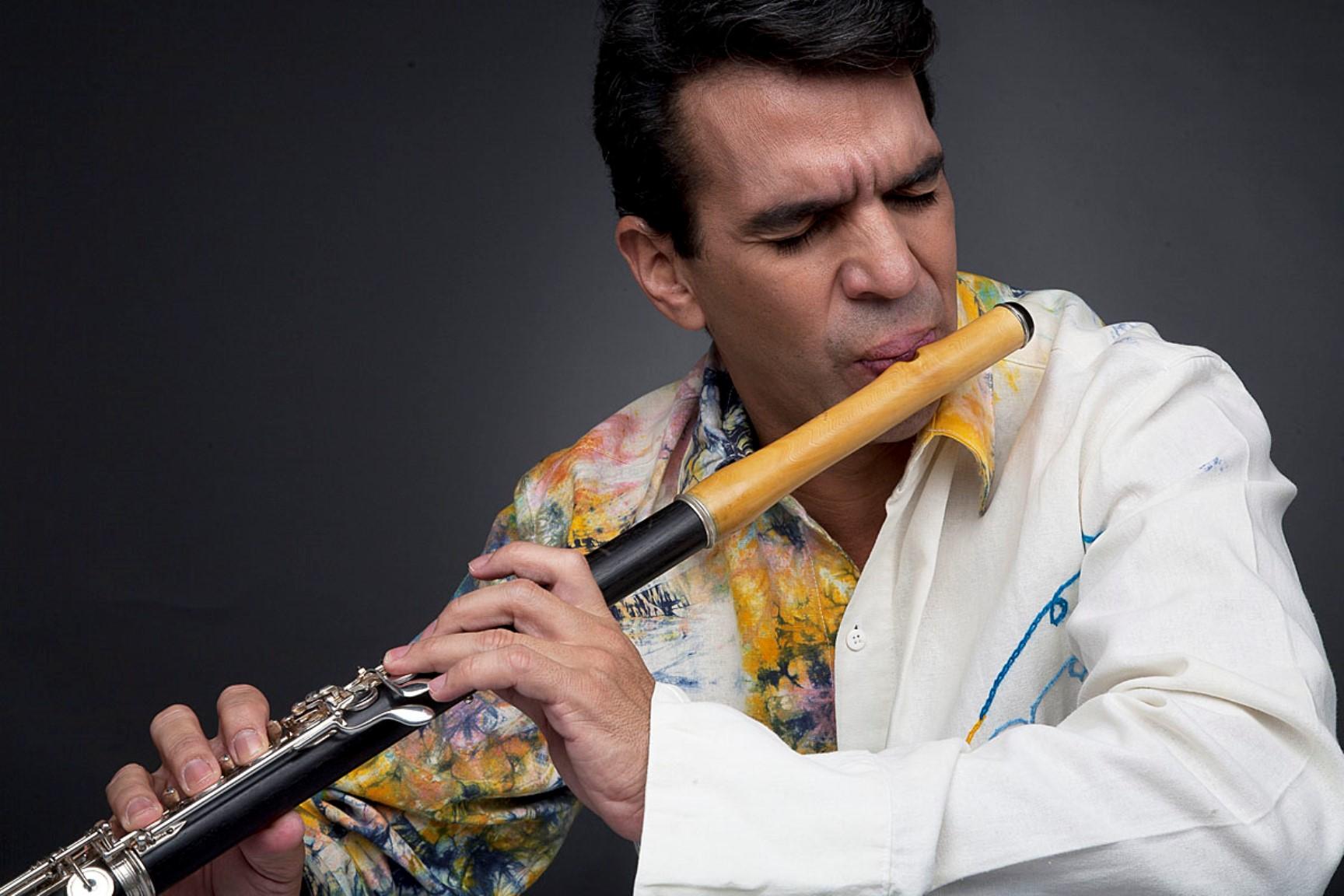 """Huáscar Barradas prepara su espectáculo """"Hallacas con flauta"""""""