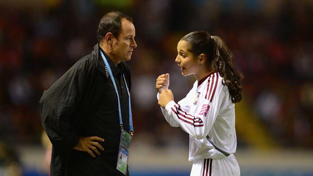 Kenneth Zseremeta y Deyna Castellanos