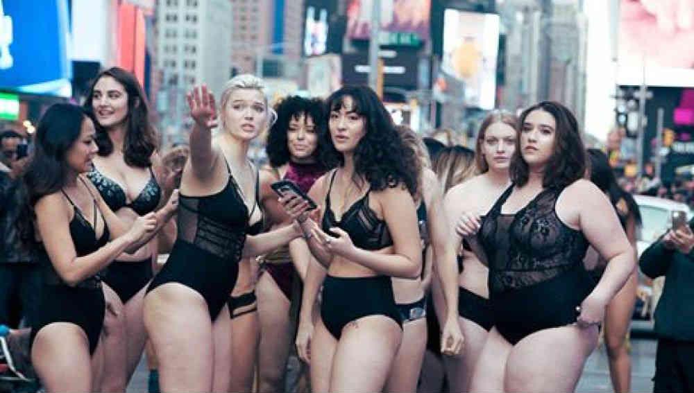 """Desfile """"anti Victoria's Secret"""""""