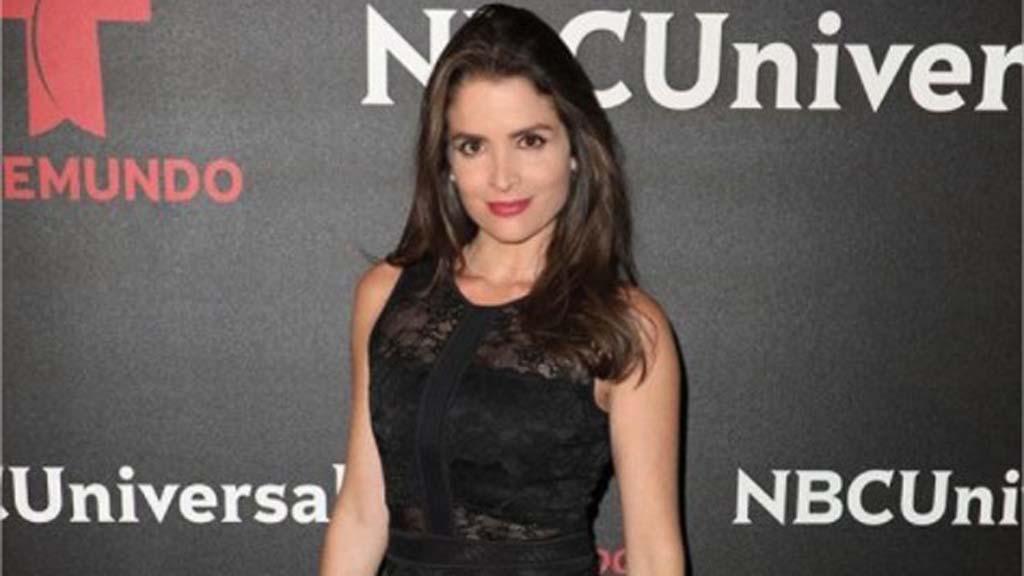 Daniela Bascopé se echa un paso con su muchacho (+VIDEO)