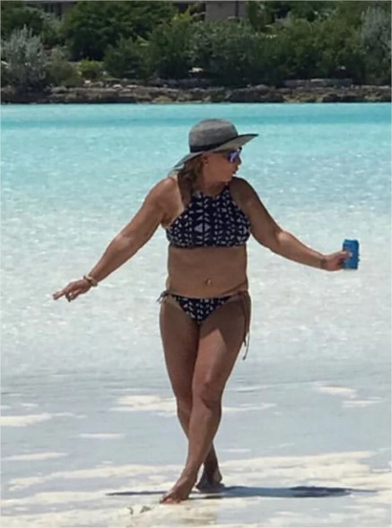 Doctora Ana Maria Polo se deja ver en bikini People en Espa%C3%B1ol Google Chrome