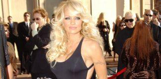 Pamela Anderson: Estados Unidos organiza un sangriento golpe