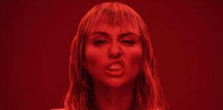 ¿Liam no es suficiente? A Miley le gustan las mujeres todavía