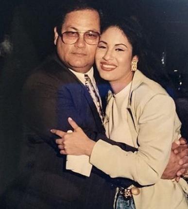 Padre de Selena Quintanilla ya escogió a quien le dará vida a su hija - Revista Ronda