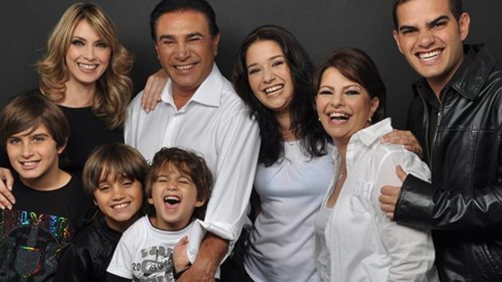 Daniel-Alvarado-familia-carmen-julia