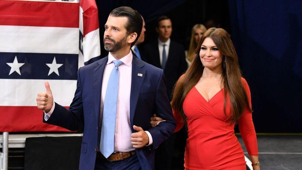 Kimberly Guilfoyle y Donald Trump Jr - Cortesía Getty