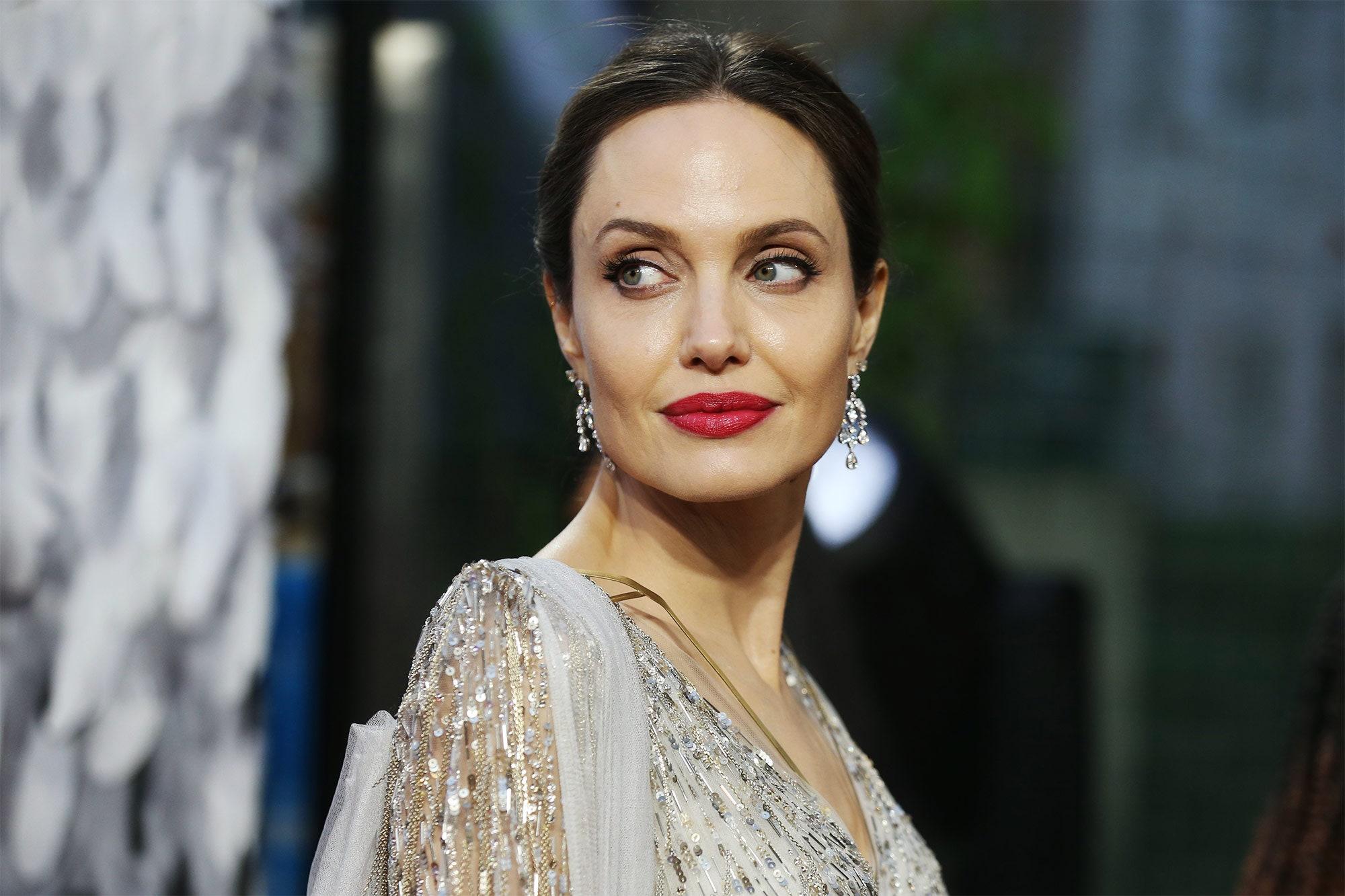 Angelina-Jolie-brad