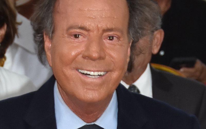 Julio Iglesias - Cortesía