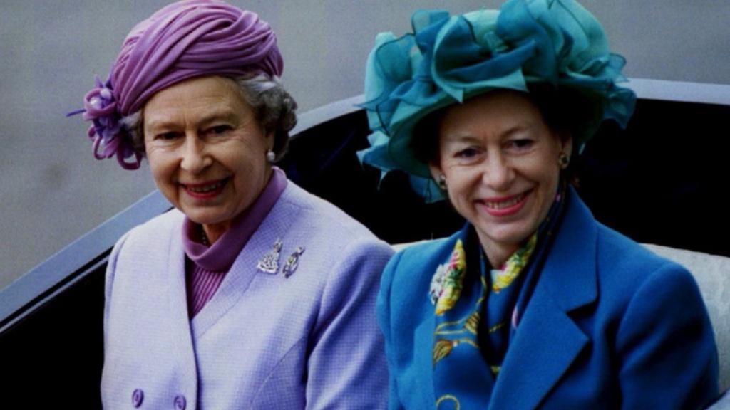 Su Majestad la reina Isabel II y su hermana la princesa Margarita - Cortesía
