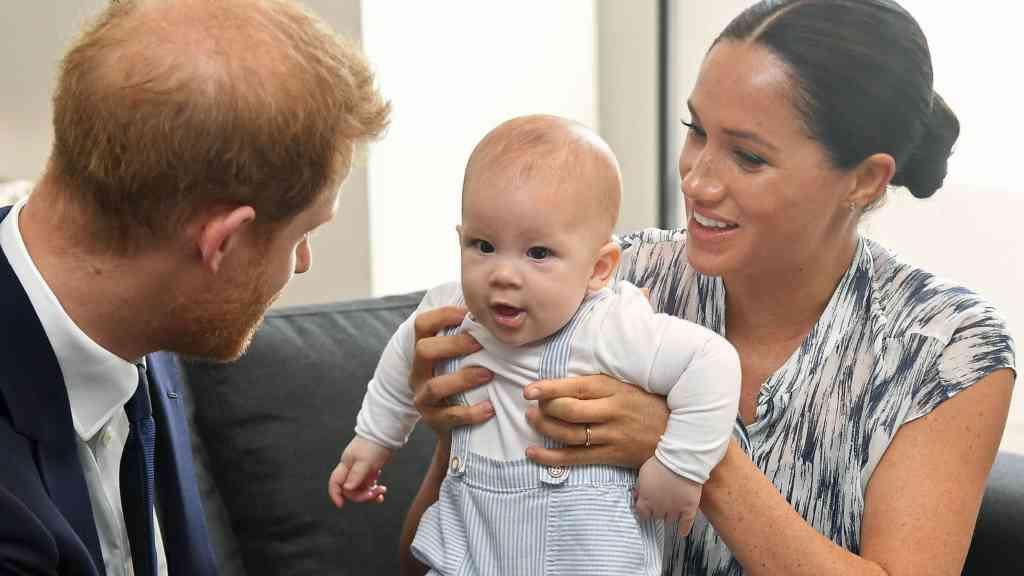 Harry, Meghan y Archie - Cortesía a su autor