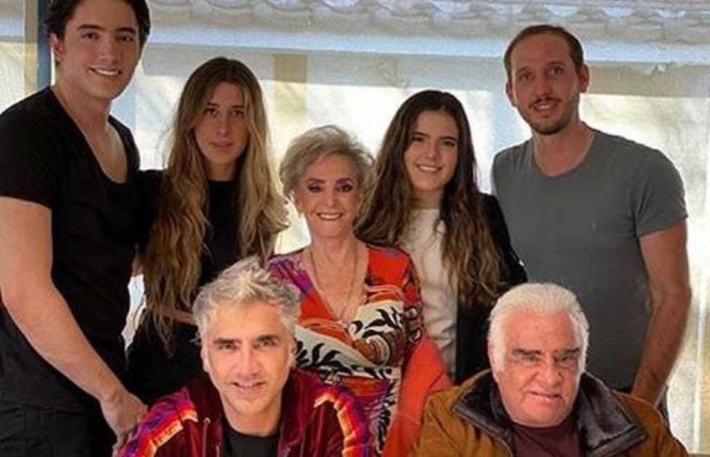 Familia Fernández-Cortesía